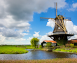 Bike tour along historic windmills and waterways